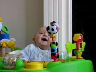 Реакция малыша на насморк мамы